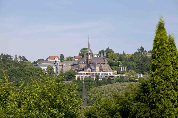 Fasten mit Wandern, Yoga, Entspannung im Kloster Waldbreitbach - Westerwald